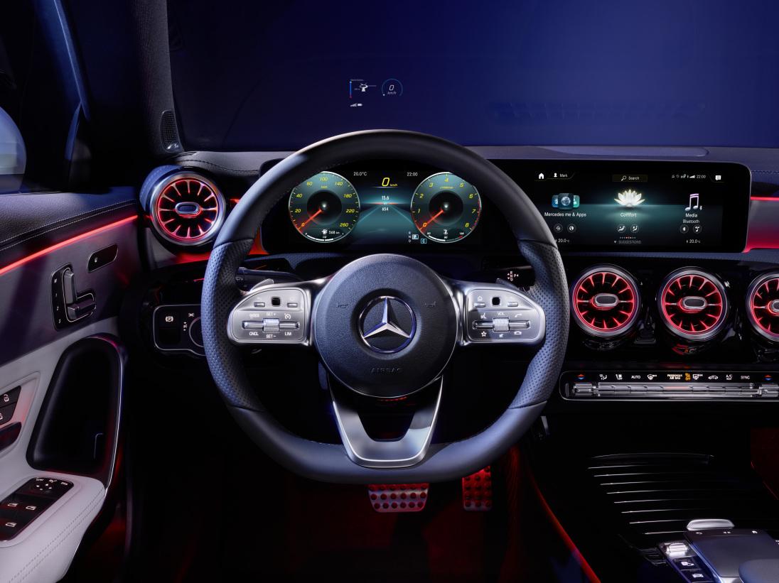 den lækre, nye Mercedes Benz CLA Coupe